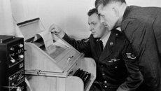 Hé lộ bí mật về đường dây nóng Xô - Mỹ
