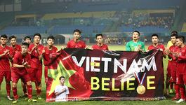 U23 Việt Nam hành động bất ngờ, Đỗ Hùng Dũng ấm lòng quê nhà