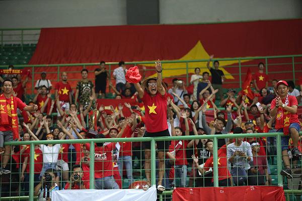 """Báo Thái Lan: """"Tuyệt vời Công Phượng! Chúc mừng U23 Việt Nam!"""""""