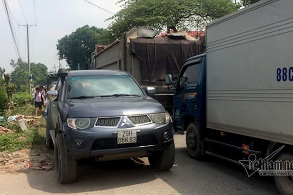 Con đường chực nuốt người ở Hà Nội: 3 Sở họp khẩn