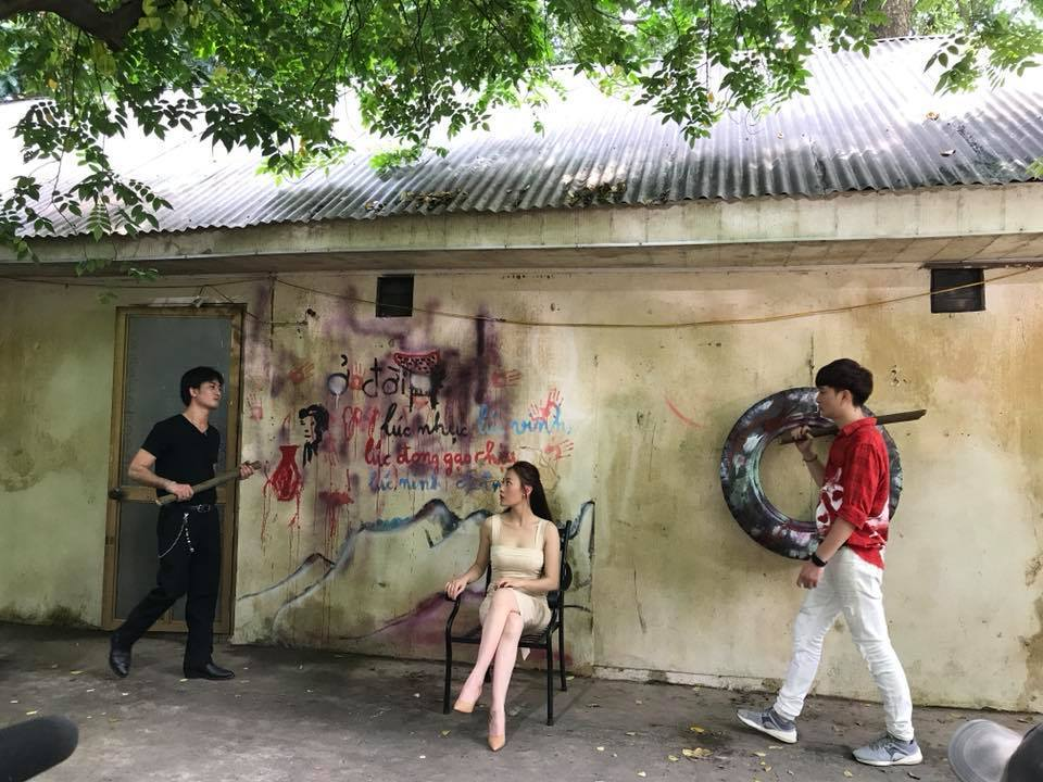 Dàn diễn viên 'Quỳnh búp bê' bất ngờ được triệu tập để quay tiếp
