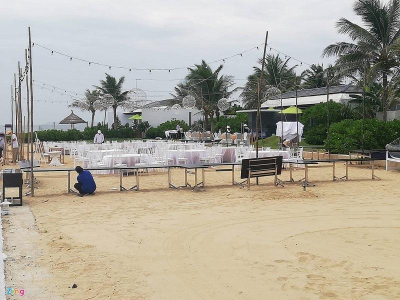 Không gian lễ đính hôn trên bờ biển của Trường Giang - Nhã Phương