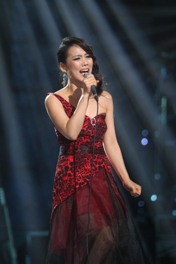 Ca sĩ Hoàng Hồng Ngọc mới lạ trong đêm Vietnam Concert 2018