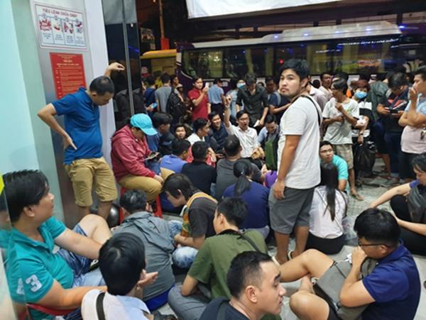 Người dùng Việt không ngại thức xuyên đêm mua Galaxy Note9