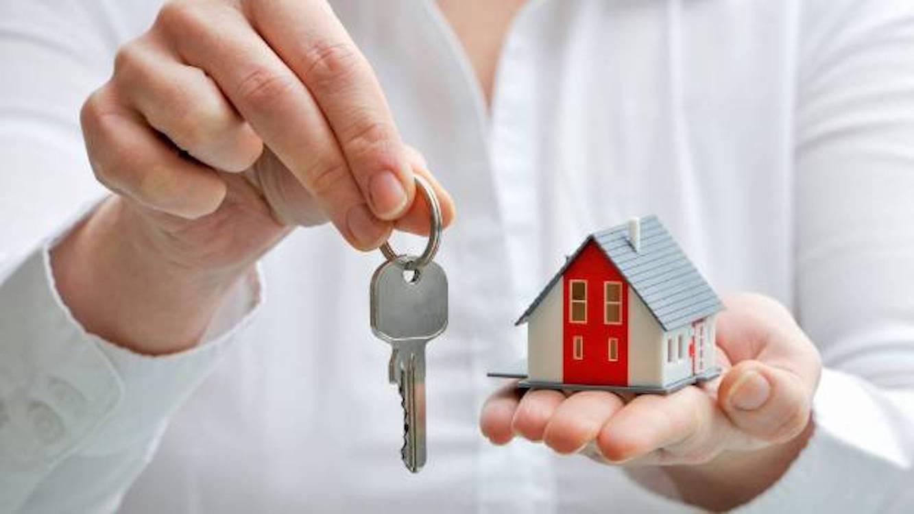 Trước 30 tuổi khôn nên dồn tiền, tội gì 'cày' tối mặt mua nhà