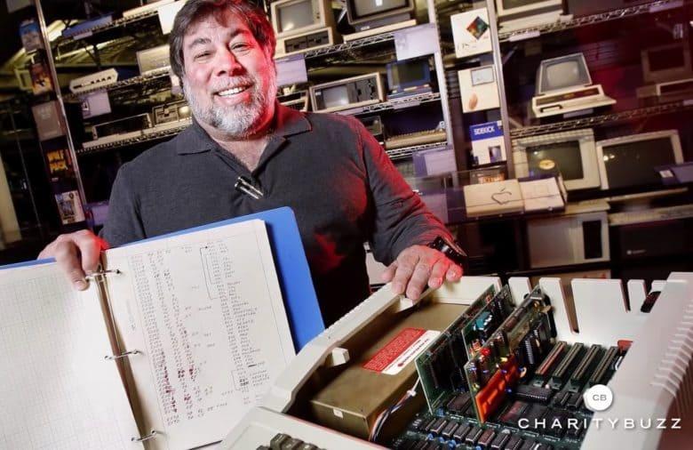 Máy tính cổ Apple được bán đấu giá 815.000 USD