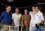 Ảnh Trường Giang, Nhã Phương bên gia đình ở lễ đính hôn