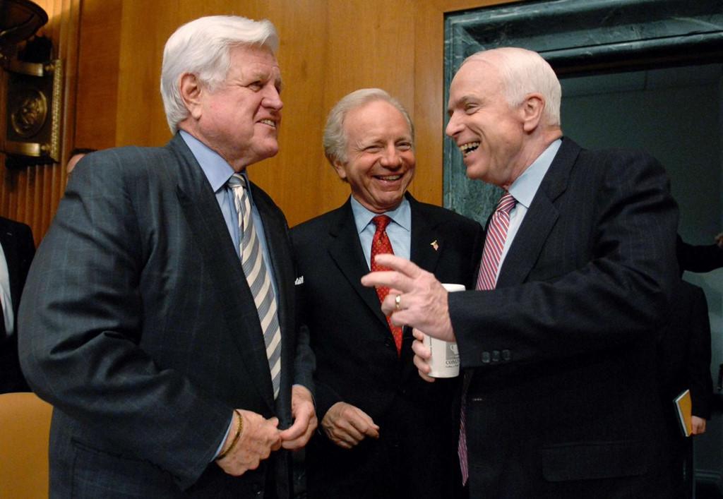 John McCain,Quan hệ Việt-Mỹ