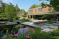Cách giảm nhiệt ngày hè cho ngôi nhà đẹp qua thiết kế