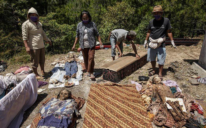 Lễ hội 'thây ma' kỳ quái ở Indonesia