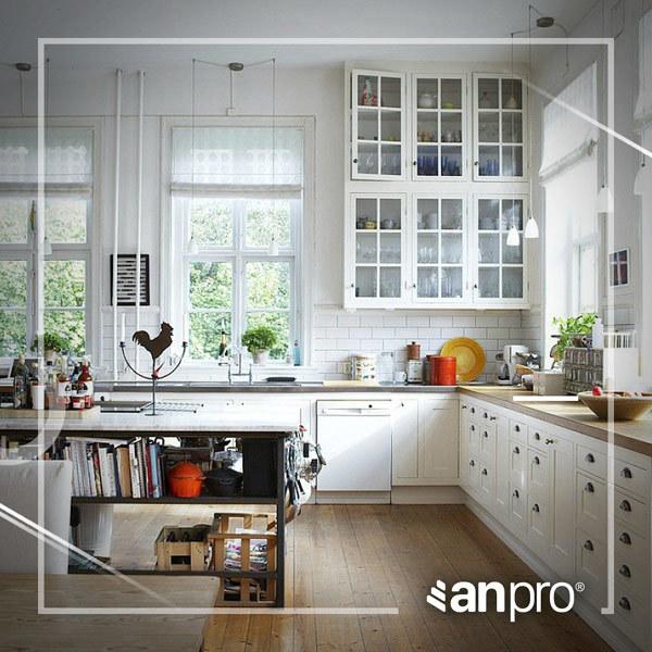 Nhà bếp sống động hơn với tấm ốp tường
