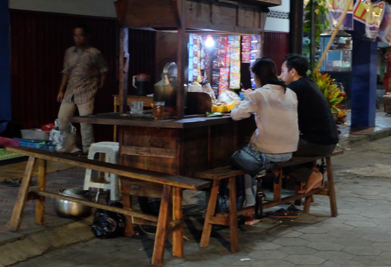 Đến Indonesia ngoài xem Asiad 18, bạn còn có thể khám phá một cố đô yên bình