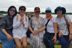 Trịnh Vĩnh Trinh về Huế tham gia dự án vớt rác bên dòng Hương Giang
