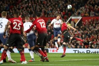 Tottenham dốc sức hạ MU, Liverpool bán hơn nửa đội hình