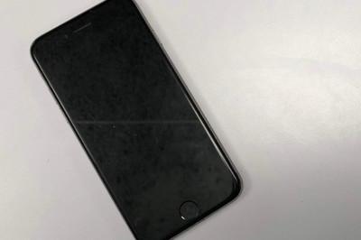"""Apple gom iPhone cũ giá 290 USD để """"rã xác"""""""