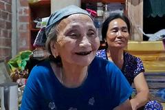 Lý do bà nội Tiến Dũng 'thương' nhất Văn Toàn: Còn trẻ sao tóc bạc hết rồi