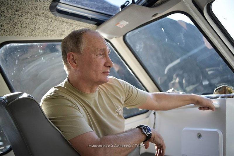 Hình ảnh kỳ nghỉ đầy phiêu lưu của Putin ở Siberia
