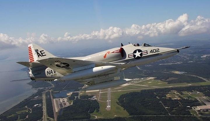 vũ khí,máy bay cường kích,Skyhawk