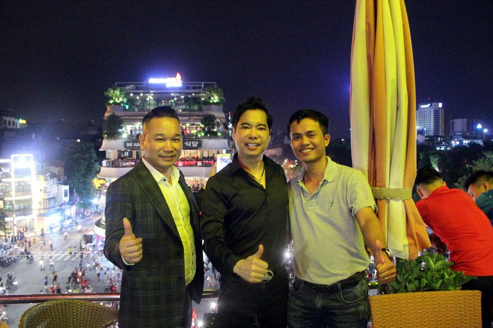 U23 Việt Nam,Park Hang Seo,Bùi Tiến Dũng,Nguyễn Quang Hải,Văn Toàn,ca sĩ Ngọc Sơn,Ngọc Sơn