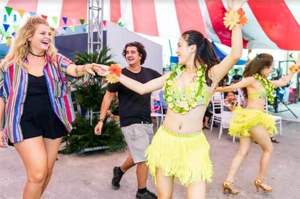 Lễ hội Aloha khuấy đảo Hạ Long cuối tuần