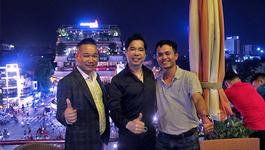 'Ông hoàng nhạc sến' Ngọc Sơn mừng chiến thắng U23 VN giữa hồ Gươm