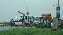 Xe container đâm nát ô tô 4 chỗ, cao tốc Hà Nội - Bắc Giang tắc 4km