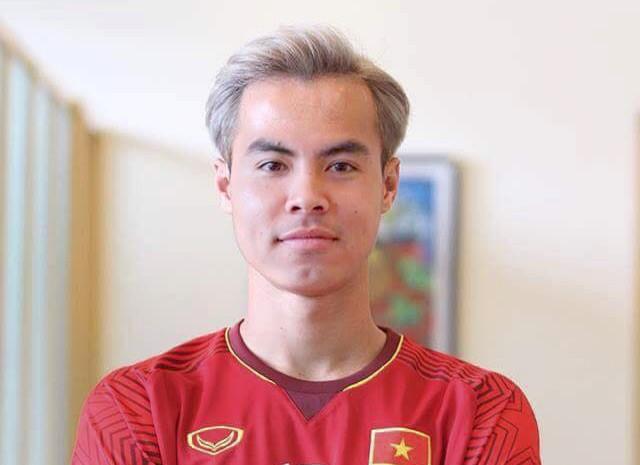Ảnh chế U23 Việt Nam nhuộm tóc bạch kim giống Văn Toàn