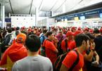 Dậy từ 3h sáng sang Indonesia cổ vũ U23 Việt Nam