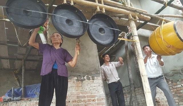 Xem bà nội thủ môn Tiến Dũng làm điều đặc biệt cho U23 Việt Nam - ảnh 5