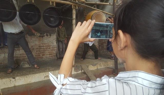 Xem bà nội thủ môn Tiến Dũng làm điều đặc biệt cho U23 Việt Nam - ảnh 7