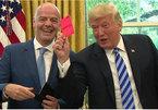 Ông Trump giơ thẻ đỏ với báo giới