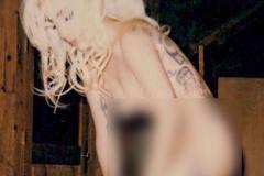 Lady Gaga đăng ảnh không mảnh vải che thân