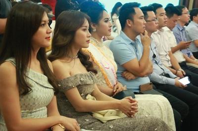Nữ sinh viên trước cơ hội đọ vẻ đẹp, nhận giải thưởng hàng trăm triệu đồng