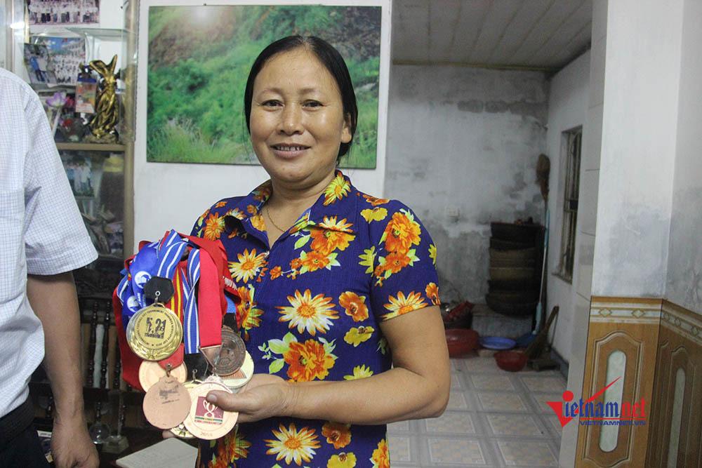 Mẹ Minh Vương: Bàn thắng của con là món quà ngày giỗ bố