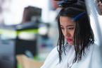 Mẫu Việt khóc vì bị cắt tóc ở Asia's Next Top Model