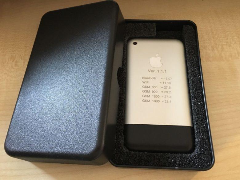 iPhone 2G cổ siêu hiếm được rao bán trên eBay