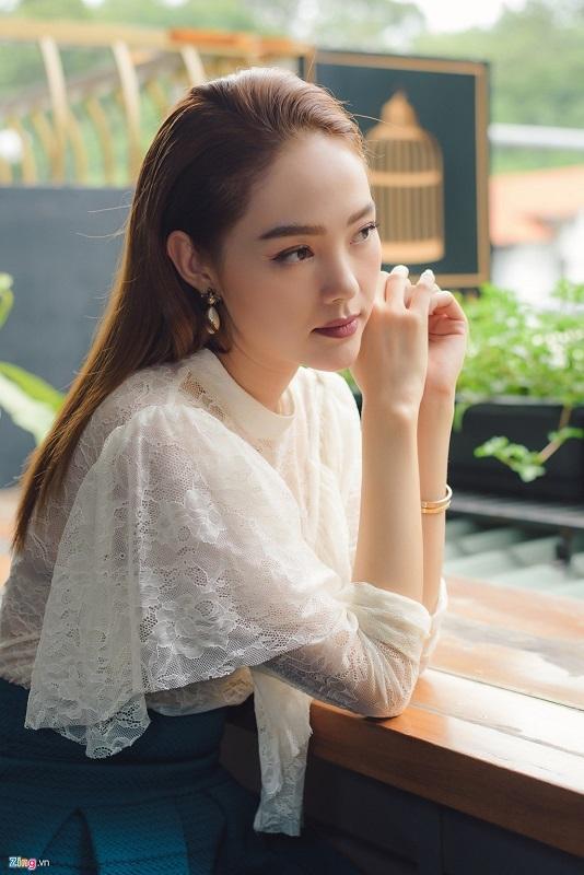 Minh Hằng: 'Ngô Thanh Vân không phải là đối thủ của tôi'