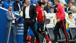 """Tin Mourinho """"bay ghế"""", Martial ký tiếp 5 năm với MU"""