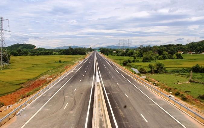 Cao tốc nghìn tỷ sát ngày thông xe, còn hở hoác 50km