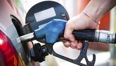 Sai lầm của tài xế khiến ô tô ngốn xăng bất thường