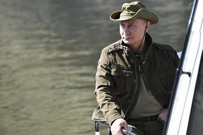 """Điều khiến Putin thành gương mặt """"hot"""" ở nhiều nước phương Tây"""