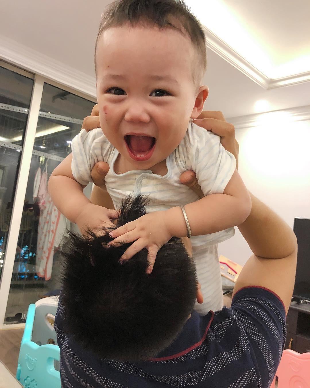 Hot girl,Hot mom,Nuôi dạy con,Elly Trần,Huyền Baby