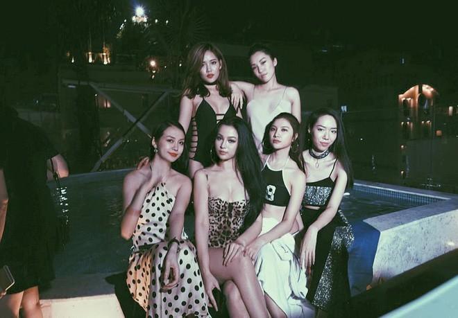 Các hot mom đình đám Elly Trần, Huyền Baby giàu cỡ nào?