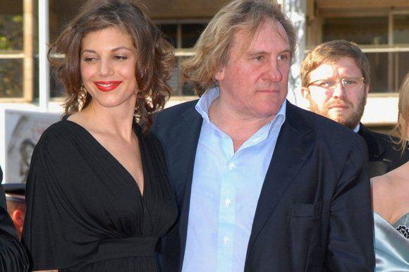 Huyền thoại điện ảnh Pháp bị tố cưỡng hiếp bạn diễn kém 47 tuổi