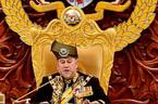 Vua Malaysia hủy lễ mừng sinh nhật, trả tiền cho chính phủ