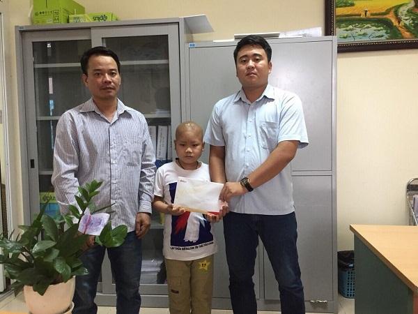hoàn cảnh khó khăn,trao tiền,từ thiện VietNamNet,u não,bệnh hiểm nghèo