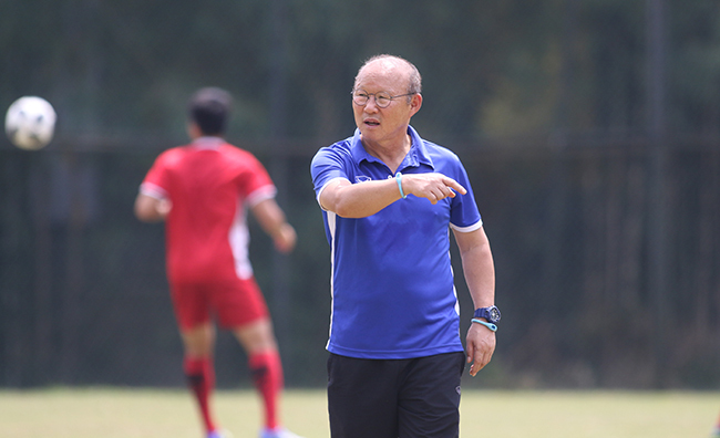Thầy Park mạo hiểm, tuyển Việt Nam lộ 'đòn' đấu Thái Lan