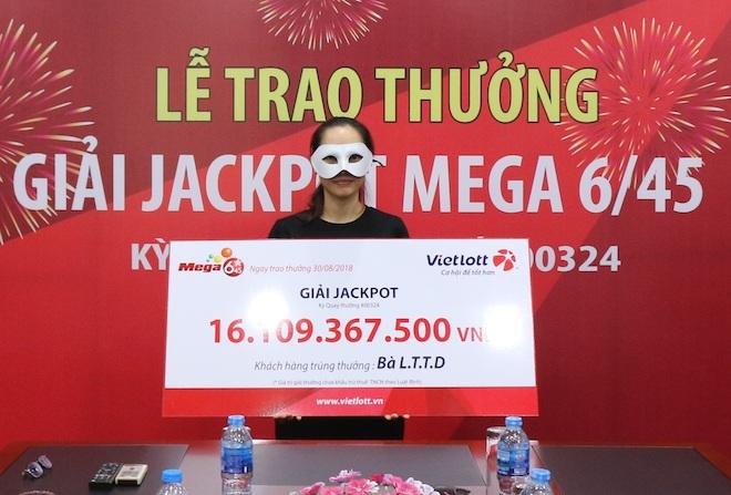 Trúng jackpot hơn 16 tỉ nhờ ngày sinh của người thân