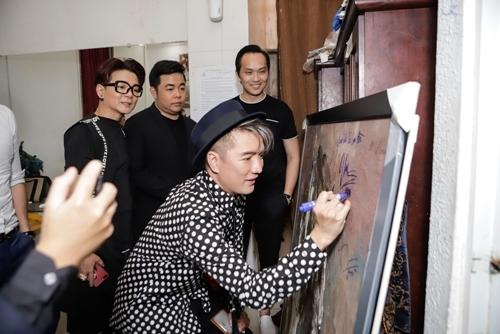 Chủ tịch Think BIG ủng hộ 200 triệu trong đêm Tình nghệ sĩ