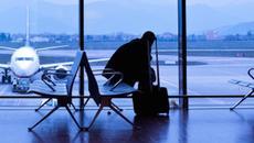 Ra sân bay đón sếp, tài xế chết lặng khi thấy người phụ nữ đi cùng